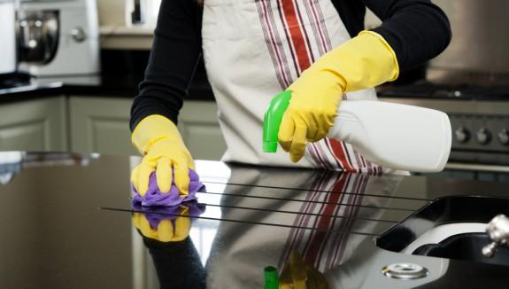 7 أخطاء تجنبيها عند تنظيف المطبخ