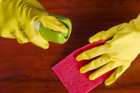 عشر طرق هامة لضمان لمعان ونظافة خشب أثاث المنزل