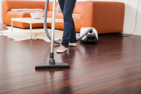 كيف تنظفين غرفة معيشتك؟